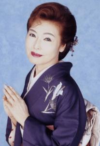 京子 青山