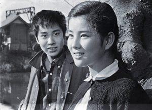 1962年に映画『キューポラのある街』にヒロインとして出演し、ブルーリボン賞主演女優賞を17歳で史上最年少受賞します。